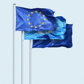 Special flags in landscape format with rope
